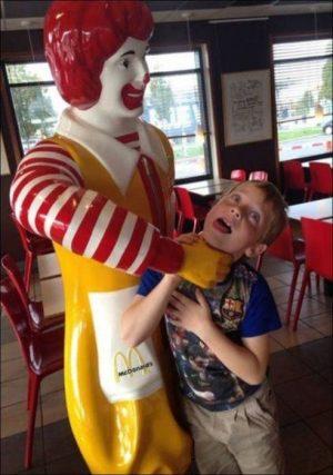funny statue mcdonalds