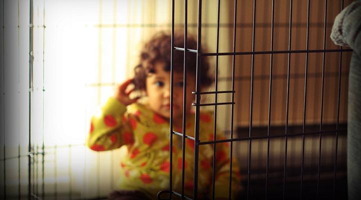 http://smashinglife.co.uk/wp-content/uploads/2016/02/baby-in-prison.jpg