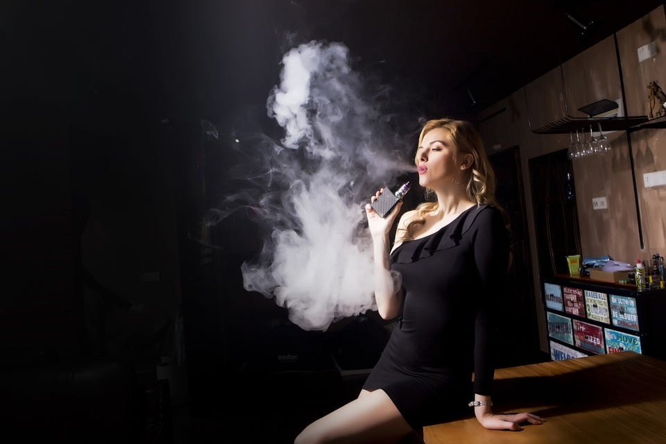 Pros and Cons of Vaping: Whether or Not to Start Vaping
