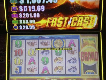 98-year-old woman wins slots jackpot in Las Vegas